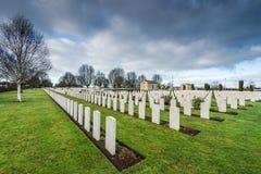 Británicos y cementerio de la guerra de la Commonwealth en Bayeux, Francia fotografía de archivo