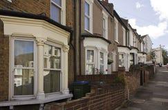 Britannici tradizionali alloggia la facciata nella periferia di Woolwich Fotografie Stock