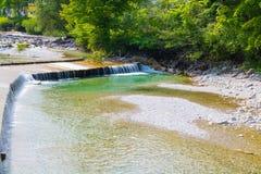 Britge de madeira, rio, céu Fotos de Stock Royalty Free