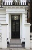 Britische Art quadrierte Haustür Stockbild