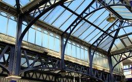 Britische Bahnhöfe Stockfotos