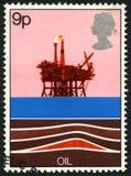 Britische Briefmarke, die den Gebrauch des Öls gedenkt Lizenzfreie Stockbilder