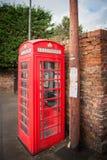 Britische rote traditionelle Telefonzelle Stockfotos