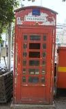 Britische Telefonzelle in Mumbai, Indien Lizenzfreie Stockfotografie