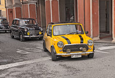 Britisches Auto Mini Cooper 1300 der Weinlese Stockfotos