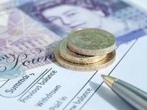 BRITISCHES Bargeld und Bankauszug Lizenzfreie Stockbilder