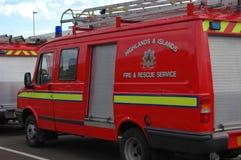 Britisches Feuerstützfahrzeug Stockfotos