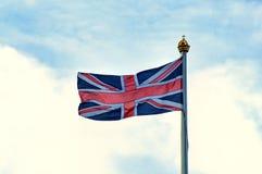 Britisches Union Jack-Fliegen Stockbild
