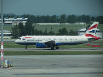 British Airways Airbus A320-232 em Praga Foto de Stock