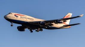 British Airways Boeing 747 che arriva all'aeroporto di Heathrow Immagini Stock Libere da Diritti