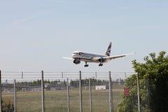 British Airways Boeing 767 landing at Heathrow Royalty Free Stock Photos