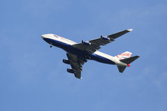 British Airways Boeing 747-400 no céu de New York antes de aterrar no aeroporto de JFK Foto de Stock