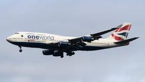 British Airways Boeing 747 som ankommer på den Heathrow flygplatsen Royaltyfri Fotografi