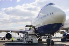 British Airways-Düsenflugzeug in Domodedovo-Flughafen von Moskau Stockfotos