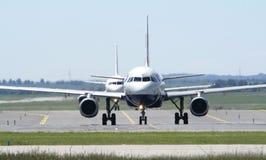 British Airways en el aeropuerto de Ruzyne Foto de archivo libre de regalías