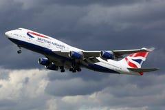 British Airways flygplanBoeing 747-400 London Heathrow flygplats Arkivbilder