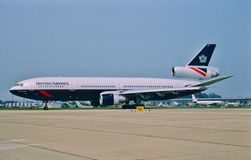 British Airways McDonnell Douglas DC-10-30 G-NIUK roulant au sol pour le décollage Photos stock