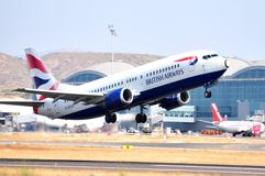 British airways que corre na pista do aeroporto de Alicante, spain Imagem de Stock