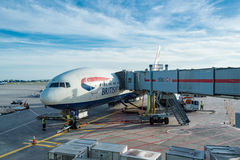 British Airways surfacent en Pearson International Airport à Toronto, Canada Images stock