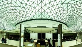 British Museum den huvudsakliga korridoren, London, UK Arkivfoto