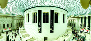 British Museum den huvudsakliga korridoren, London, UK Royaltyfri Foto
