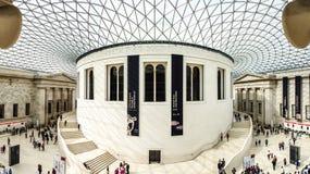 British Museum den huvudsakliga korridoren, London, UK Royaltyfria Foton