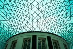 British Museum - ingangsatrium - patronen royalty-vrije stock foto