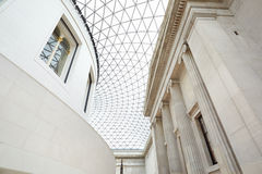 British Museum stor domstolinre, glass tak i London Arkivbild