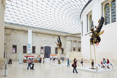 British Museum Wielki Dworski wnętrze, ludzie i turyści w Londyn, Zdjęcie Stock