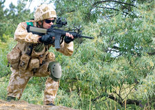 British soldier. In camouflage uniform in action Royalty Free Stock Photos