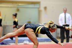 Britney Russell - gimnasta del NCAA de las señoras Imagen de archivo libre de regalías