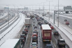 Britse autosnelweg M1 tijdens sneeuwonweer Stock Foto's