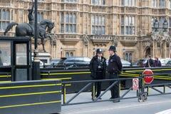 Britse politie op de straat in Londen Stock Foto's