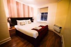 Britse slaapkamer verfraaide stijl Stock Afbeelding