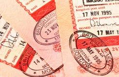 Britse visumzegels in paspoort Stock Fotografie