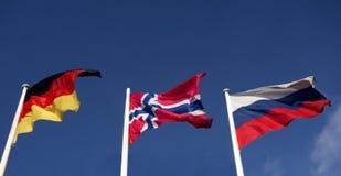 Britse vlag, het Duits en Rus stock fotografie