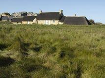 Brittany Finistere, Kerlouan - traditionellt hus arkivfoton