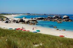 Brittany seglar utmed kusten, france Royaltyfri Bild