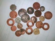 Brittisk indisk gammal coinsfor royaltyfri foto