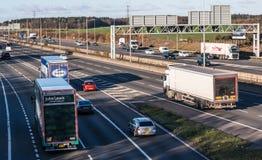 Brittisk Motorway M1 i rusningstider royaltyfri fotografi