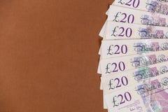 Brittisk pengarbakgrund 20 pund anmärkningar Royaltyfri Bild