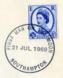 Brittisk portostämpel för tappning som poststämplas på dagen av Apollo 11 Fotografering för Bildbyråer