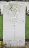 Brittisk soldat för gravsten av kungliga Scots Fusiliers Arkivbild