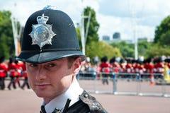 brittisk tjänstemanpolisstående Royaltyfria Foton