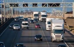 Brittisk trafik för motorway M1 Arkivbild
