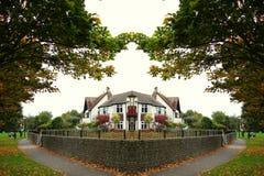 Brittiska den sceniska stadshusatmosfären Royaltyfri Fotografi