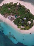 brittiska fina ööar gömma i handflatan den sandiga paradissanden spottar vitt jungfruligt vatten för treesturkos Fotografering för Bildbyråer