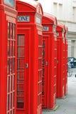 brittiska gammala telefoner Arkivfoton