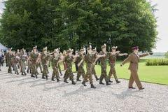 Brittiska kadetter som marscherar på den 96th årsdagen av stridnollan Royaltyfri Bild