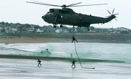 Brittiska kungliga Marine Commando Helicopter Arkivbilder